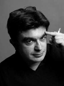 Gian Paolo Serino, direttore editoriale e fondatore di Satisfiction, critico, ha collaborato con i maggiori quotidiani e magazine dedicati alla letteratura. Ogni giovedì parla di libri su R101